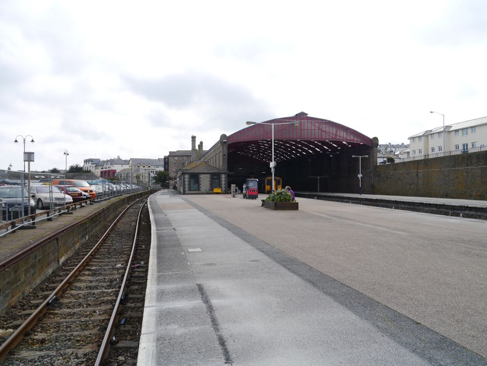 penzance_station_compressed